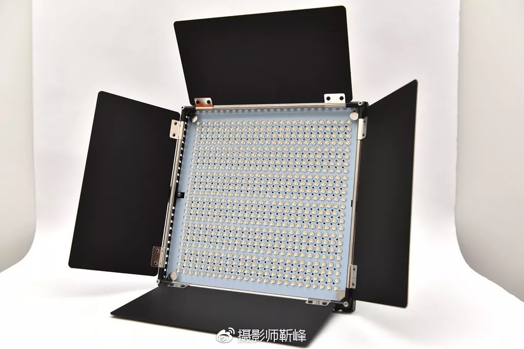 Pixel K80 photographic lamp main appearance
