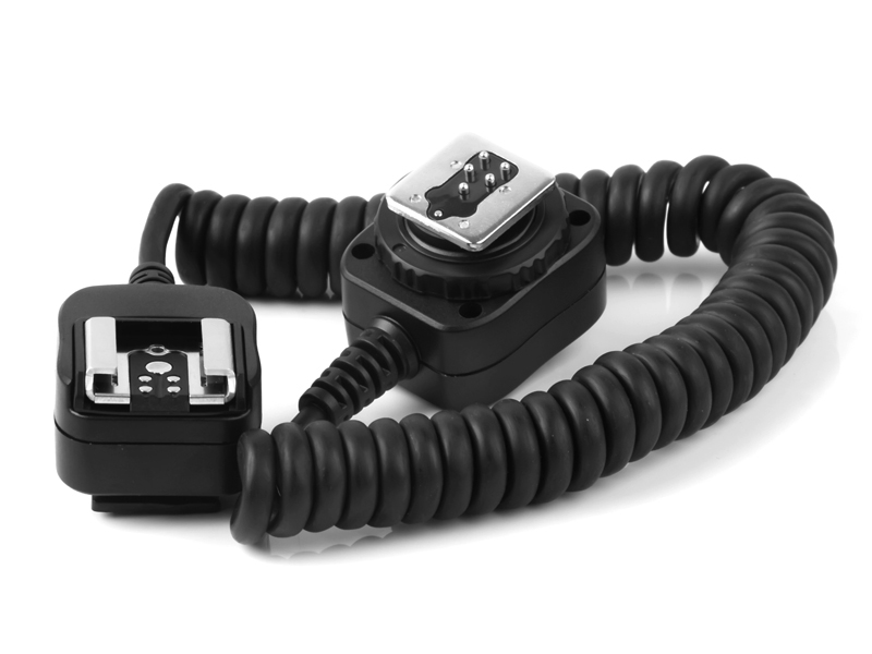 Pixel FC-311 hot shoe connecting cable, light separation and flexible use.